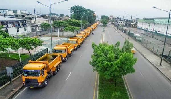GAD Los Ríos confía en las volquetas y maquinarias de UD Trucks y JCB